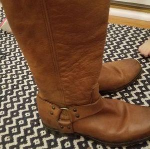 FRYE PHILLIP TALL HARNESS BOOTS 8 COGNAC TABACCO